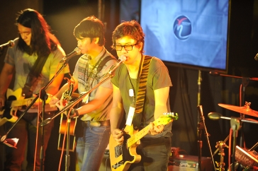 During the soundcheck with Ely Buendia and The Eggmen.